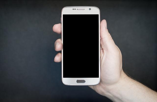Telefon w ręce